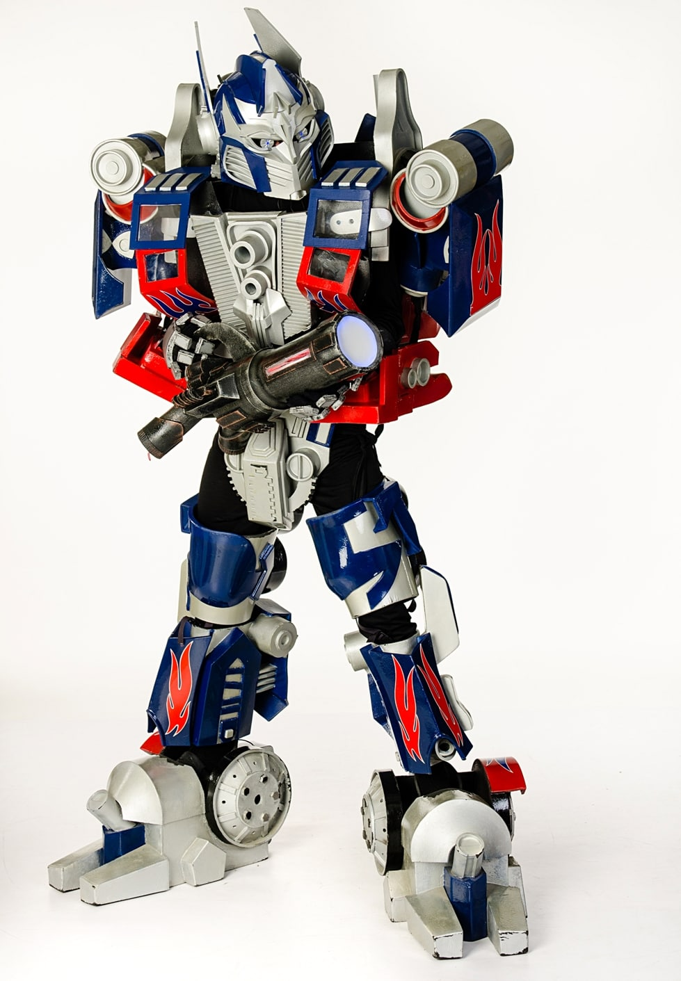 gigant-transformer-optimus-2