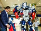 gigant-transformer-optimus-4